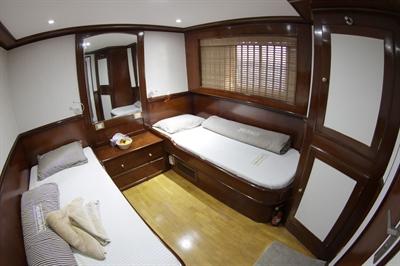 Upper Deck Twin Stateroom