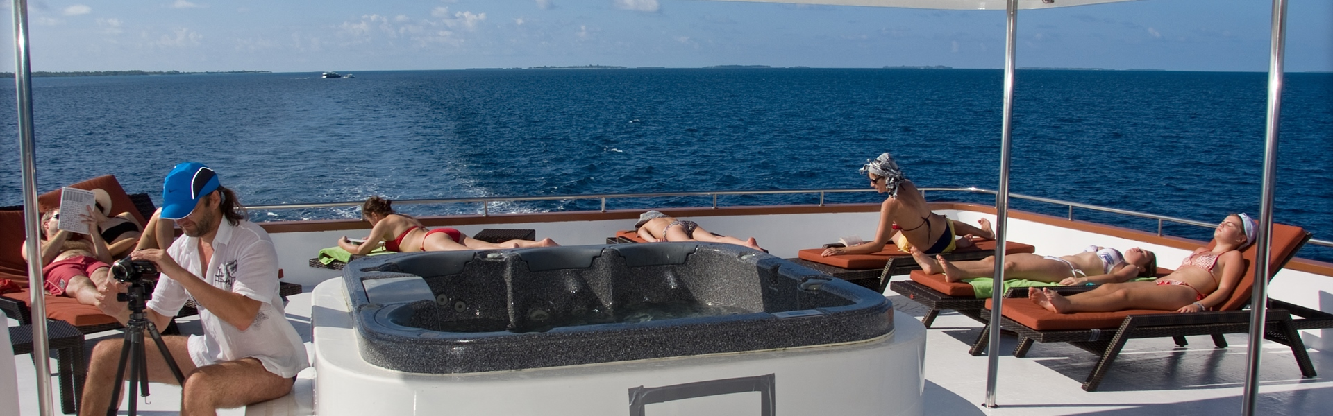 Sun deck loungers and hot tub