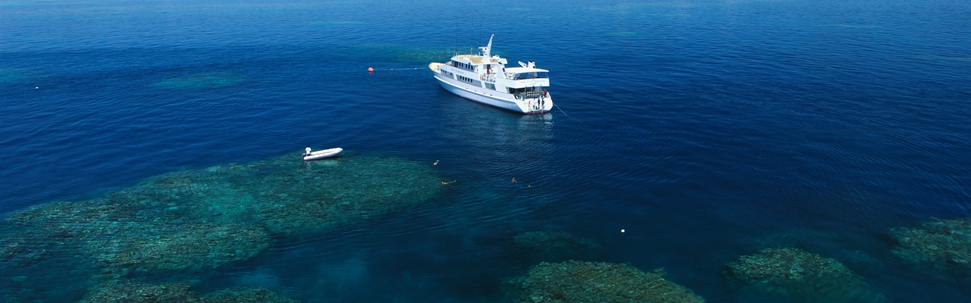 Reef and vessel