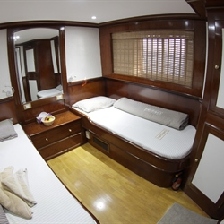 Upper Deck Twin Stateroom