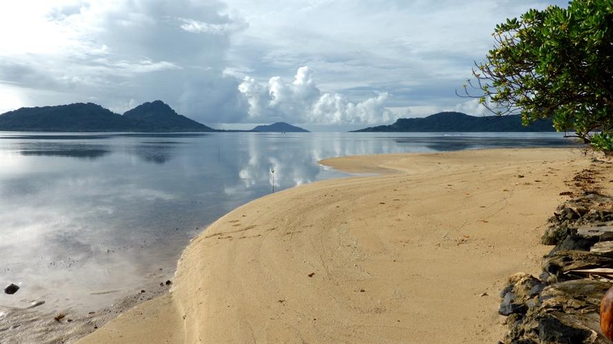 Truk Beach
