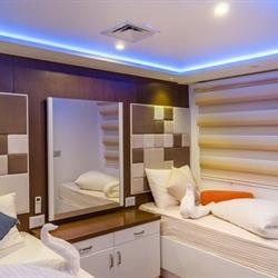 Main Deck Twin Bed Cabin