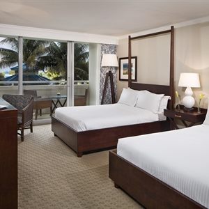 Delue Pool View Room