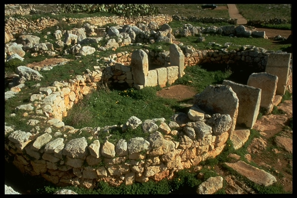 Details Xaghra Stone Circle