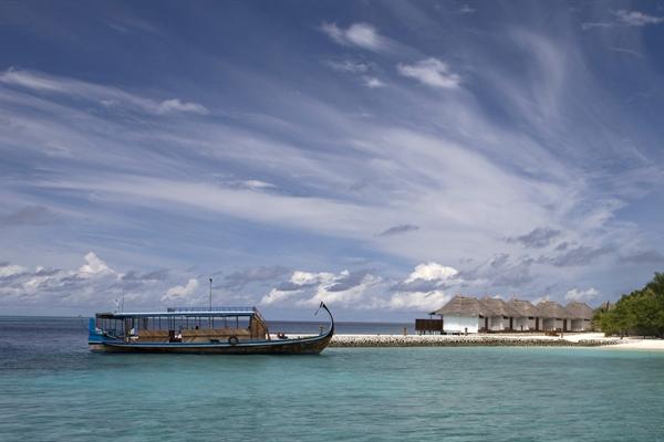 Boat & little houses